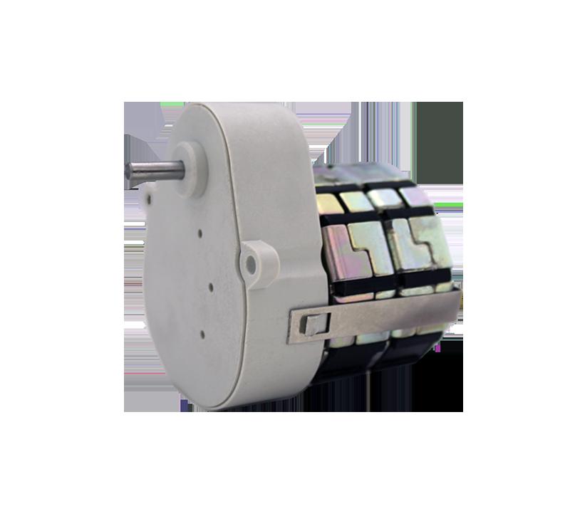 Reductor engranaje recto. Eje de salida de acero. Eje de salida: Ø4 Rodamiento a la salida: casquillo sinterizado y casquillo de plástico. Máxima carga radial a 5 mm de la brida: 10 N. Máxima carga axial admisible: 20 N. Material engranajes y eje de salida: Pom y acero. Rodadura de engranajes sobre ejes de acero templados y rectificados Caja y tapa: Poliamida + 30% G.F. Par de utilización hasta 0,5 N•m. Número de etapas: 5. Sentido de giro: Bidireccional  PLAZO DE ENTREGA MÁXIMO: 3 semanas.Se confirmará a la recepción del pedido.