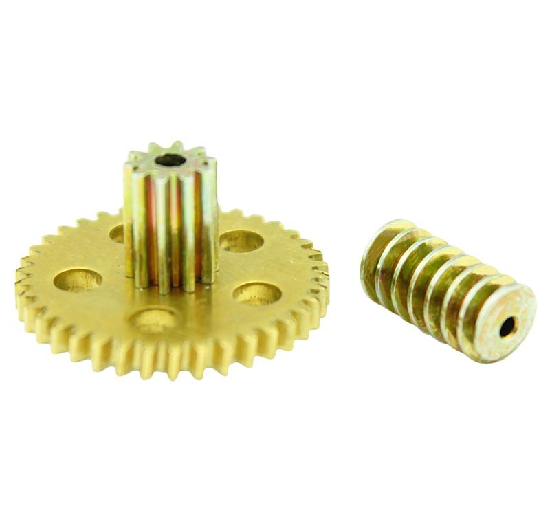 Conjunto Sinfín Corona Módulo 0.500, Numero entradas 1.00, Diametro exterior 5.75mm.  Datos del sinfín   - Material: Acero F-212   - Acabado: Bricomatado   - Diámetro paso de eje: 1,95 mm   - Sinfin: Z 1 módulo 0,5   - Diámetro externo: 5,75 mm   - Altura total: 12 mm   - Angulo β: 6º    Datos del engranaje   - Engranaje helicoidal con piñón recto   - Material: Latón   - Diámetro eje de paso: 2,05 mm   - Altura total: 12,70 mm   - Engranaje: Z 38  módulo 0,5   - Diámetro externo del engranaje: 19,98 mm   - Piñón: Z 10 módulo 0,5   - Diámetro externo del piñón: 5,98 mm   - Angulo β: 6º