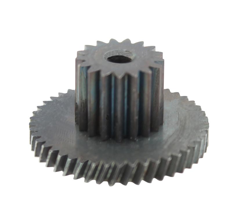 Engranaje de metal Módulo 0.400, Dientes 50Z, Forma con piñón  Engrane helicoidal con piñón recto  Datos del engrane   -Z50módulo 0,4  -Diámetro externo: 22,05 mm  -Paso de hélice: 183,41  -Angulo β: 20º  -Roscado: Derechas  -Material del engranaje: Acero F-212  -Acabado: Carbonitrurado  Datos del piñón  -Z17 módulo 0,5  -Diámetro externo de 9,80 mm  -Diámetro eje de paso 2,55 mm  -Material del piñón: Acero F-212  -Acabado: Carbonitrurado