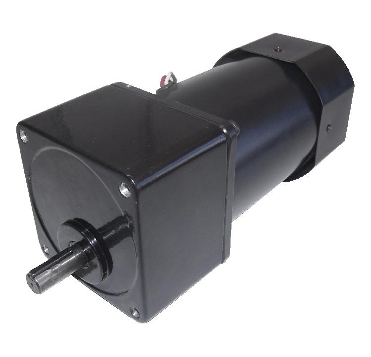 Reductor engranaje diente recto-helicoidal. Eje de salida de acero. Rodamiento a la salida: rodamiento a bolas. Máxima carga radial a 10 mm de la brida: 150 N. Máxima carga axial admisible: 60 N. Material engranajes: acero tratado térmicamente. Carcasa: Aluminio. Número de etapas: 3 Reducción: 25:1  PLAZO DE ENTREGA MÁXIMO: 2/3 semanas.Se confirmará a la recepción del pedido.