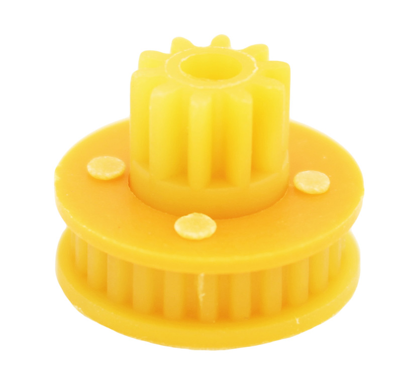 Polea Diametro interior 15.70mm  Polea dentada con piñón -Polea: Z 26 MXL -Diámetro de paso del eje: 3,50 mm -Diámetro externo: 17,70 mm -Diámetro exterior útil: 15,70 mm -Ancho de paso de correa: 3,80 mm -Piñón: Z10 módulo 0,75  -Diámetro externo del piñón: 9 mm -Altura del piñón: 5,40 mm -Altura total: 13 mm -Material: PA6 30%FV